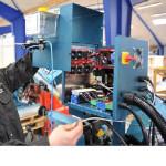 Das MMS-System wir über die Werkzeugmaschine mit der erforderlichen Betriebsspannung versorgt.